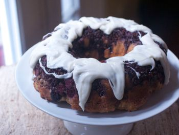 Brown Sugar Blackberry Coffee Cake