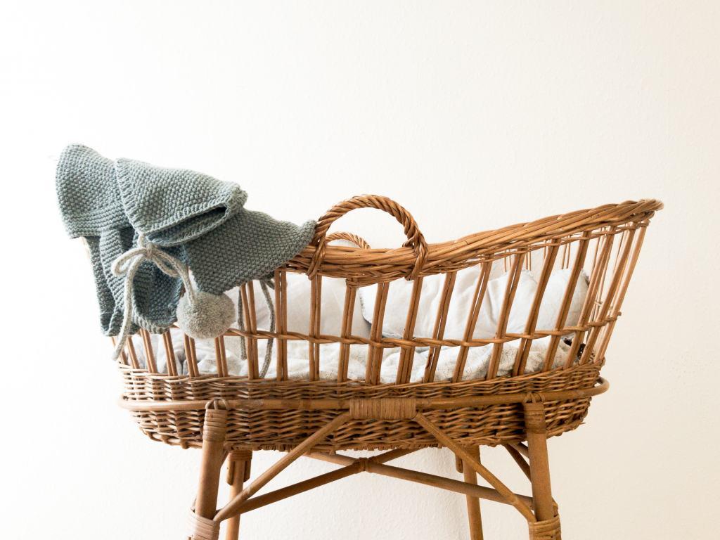 weaved basket type baby crib