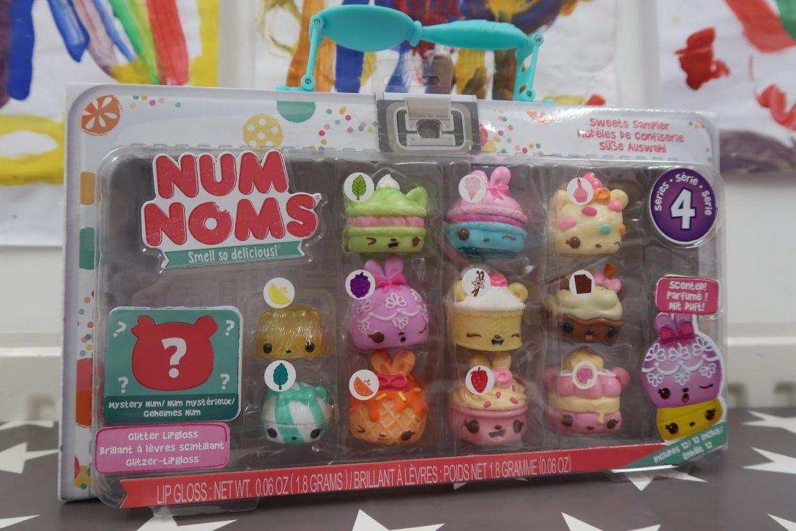 Num Noms series 4