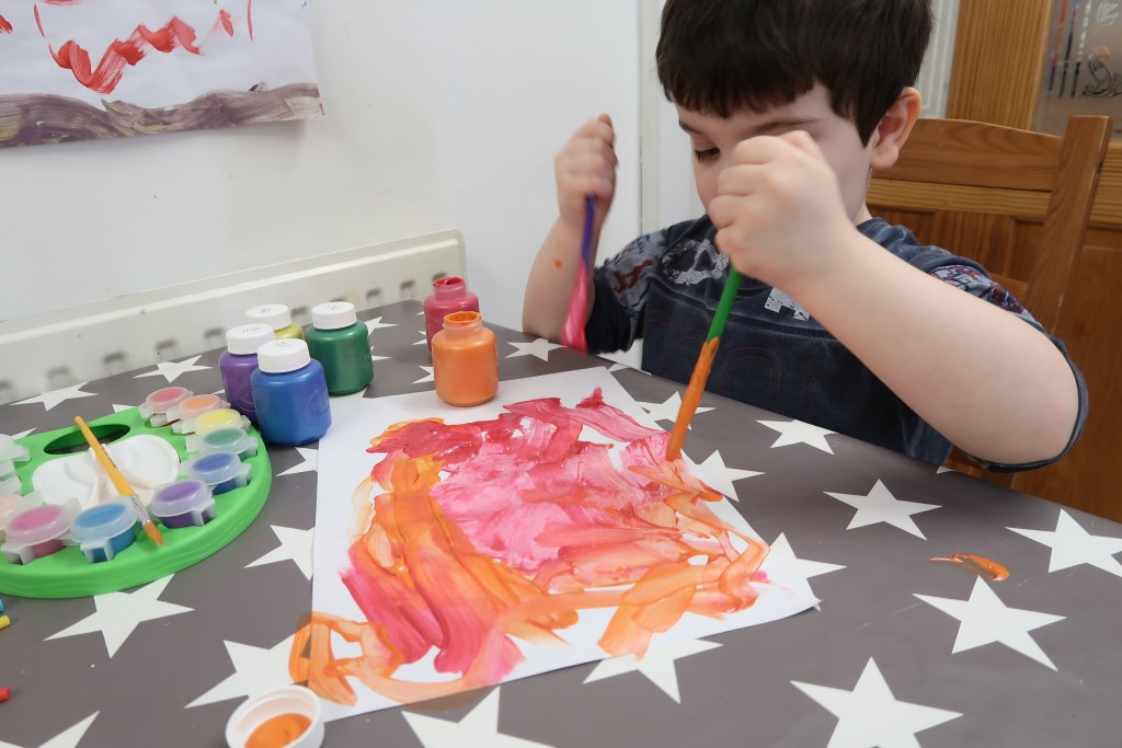 Getting Messy With Crayola #MessyKidsContest