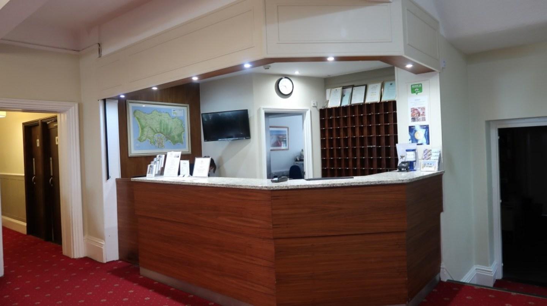 Ommaroo Hotel In Jersey reception desk