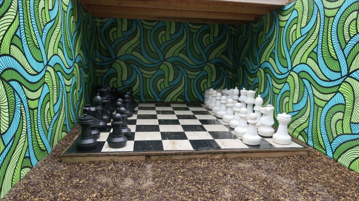 giant chess set Tamba Park Jersey
