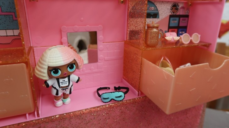lol pop up store bedroom and doll
