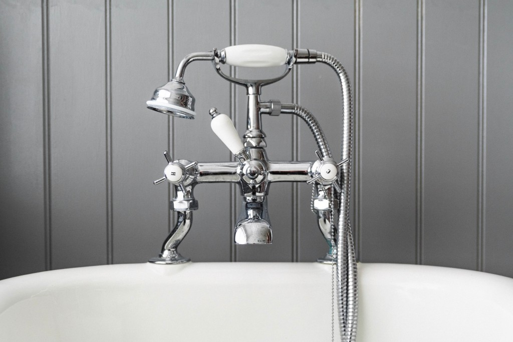 silver bath mixer taps with shower hose