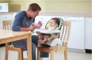 662-Fisher-Price-Deluxe-Space-Saver-High-Chair-4