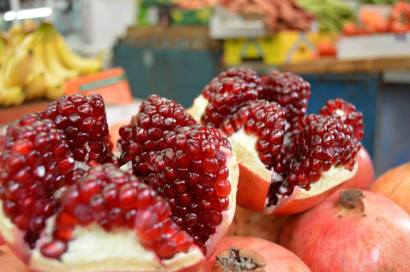 Pomegranates in Tel Aviv - they were everywhere - in juices and cups of seeds