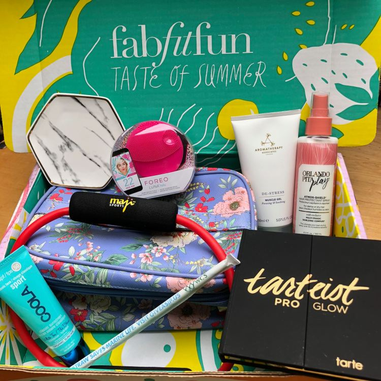 FabFitFun Summer 2018 Box products
