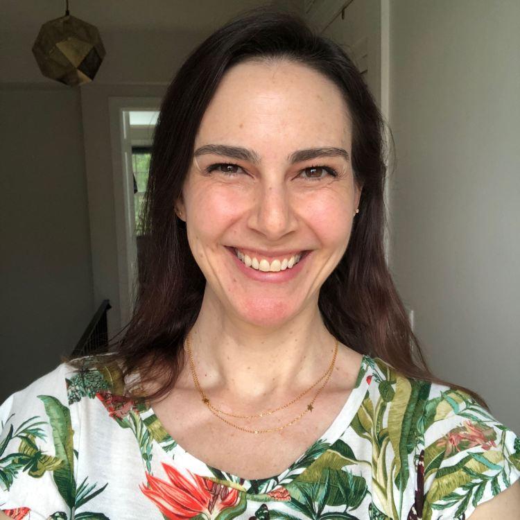 Jennifer Zeuner necklace