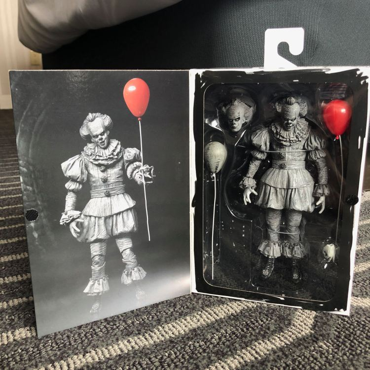 NECA Black and White Pennywise