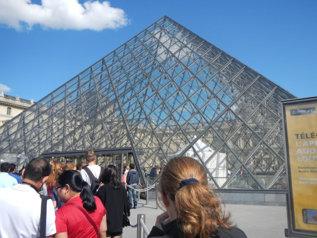The Louvre is within walking distance of the Arc