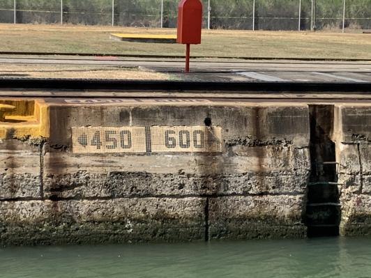 wall markings to tell how far from front to back of lock