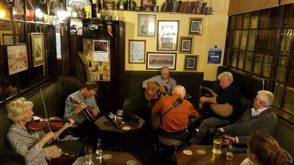 Pub Tour in Dublin | Adventures with Shelby
