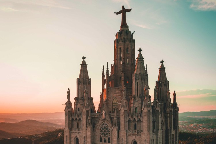 A destination vacation to Barcelona, visiting awe-inspiring sites