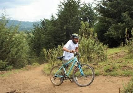 It was not uncommon to see competitors pushing their bikes up the hill to the finish line!
