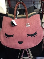 """I love Pooh"" handbags. I really wanted one :("