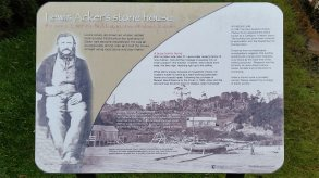stewart-island-lewis-ackers-stone-house-sign