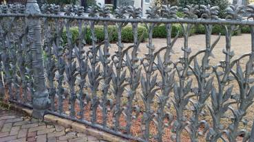 Cornstalk fence surrounds Garden District home