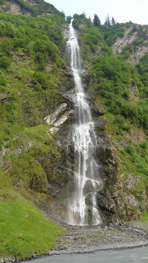 Top Paid and Free Things to do in Valdez - Waterfall Outside Valdez in Keystone Canyon
