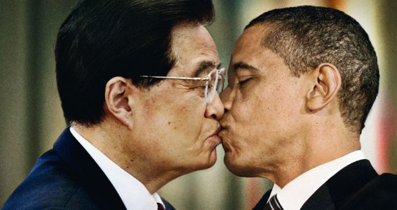 President Barack Obama and President Hu Jintao Kiss For Bennetton's Unhate Foundation
