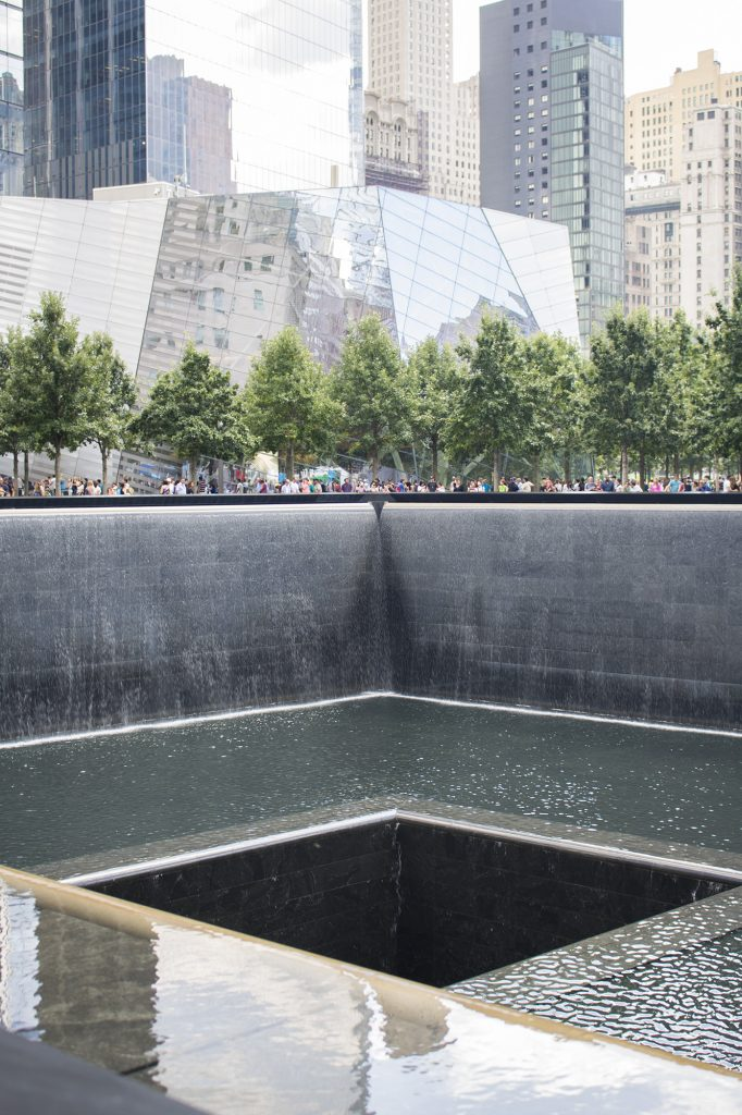 Memorial pools WTC in NYC