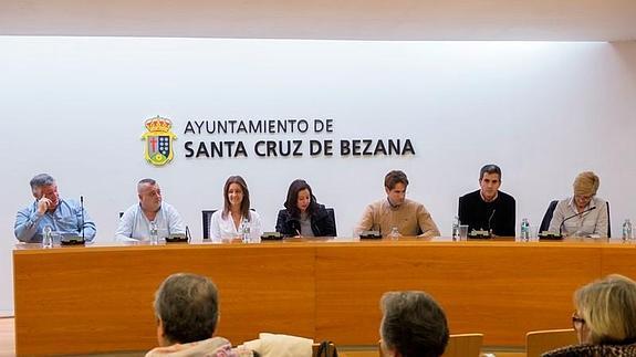 Pleno de este miércoles en el Ayuntamiento de Santa Cruz de Bezana.