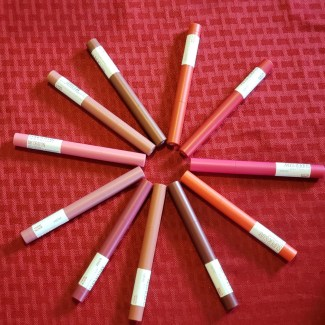 maybelline lip crayons photo by alison blackman are longwear lip colors beat the heat lip story