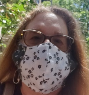 selfie alison blackman with face mask