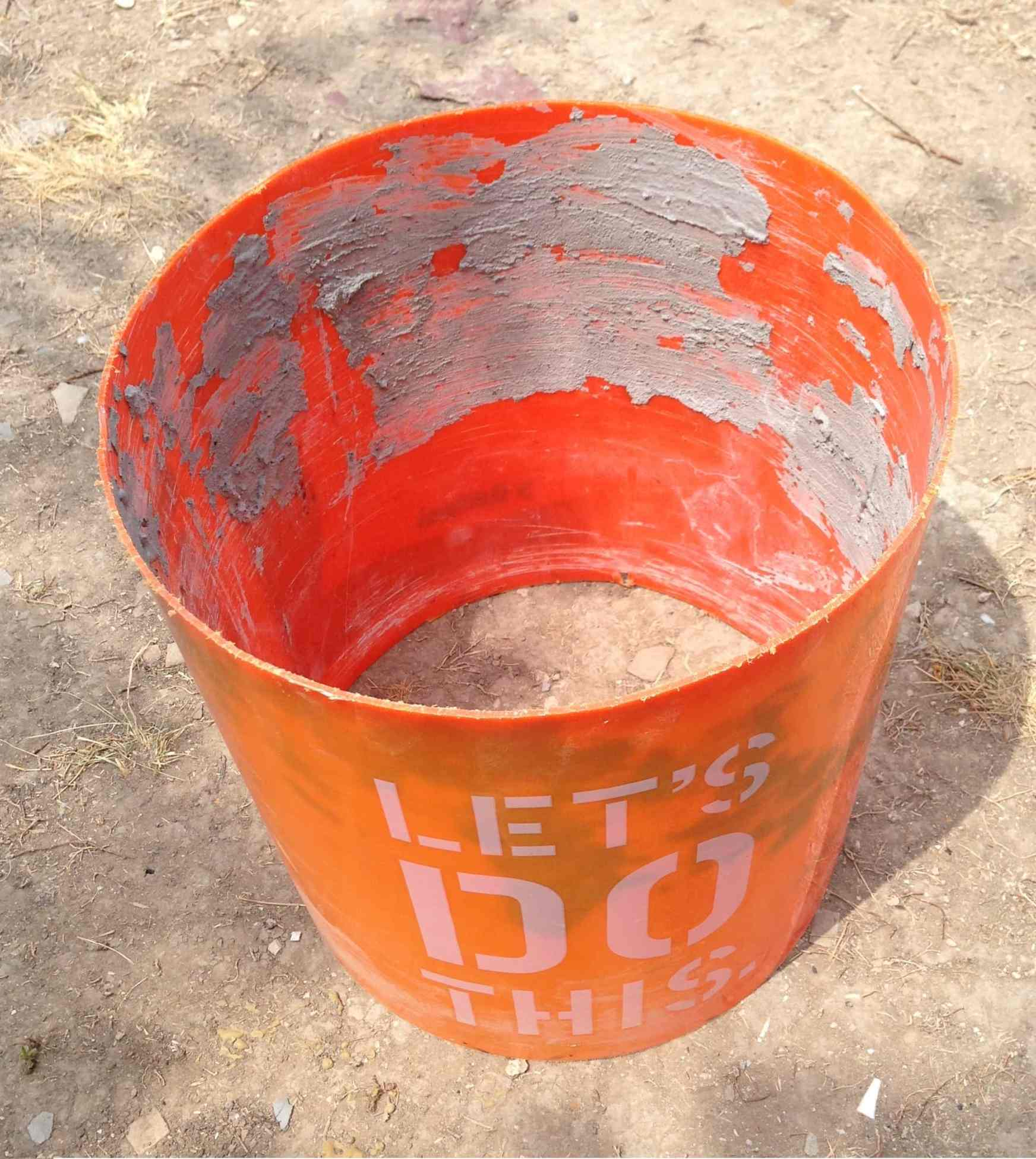 Bucket used for layout sleeve