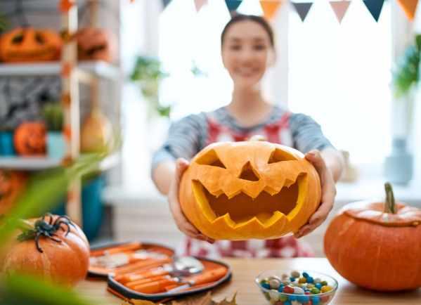Simple carved pumpkin