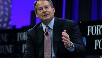 Schwab Retail Chief Kallsen Leaves in Restructuring - AdvisorHub
