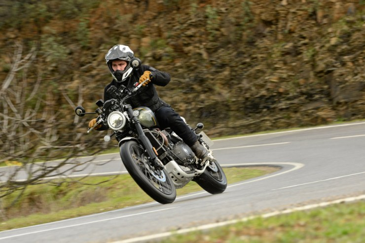 triumph scrambler 1200 review 15
