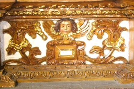 Design Side altar