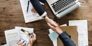 AGREEMENT FOR PROMOTING A COMPANY