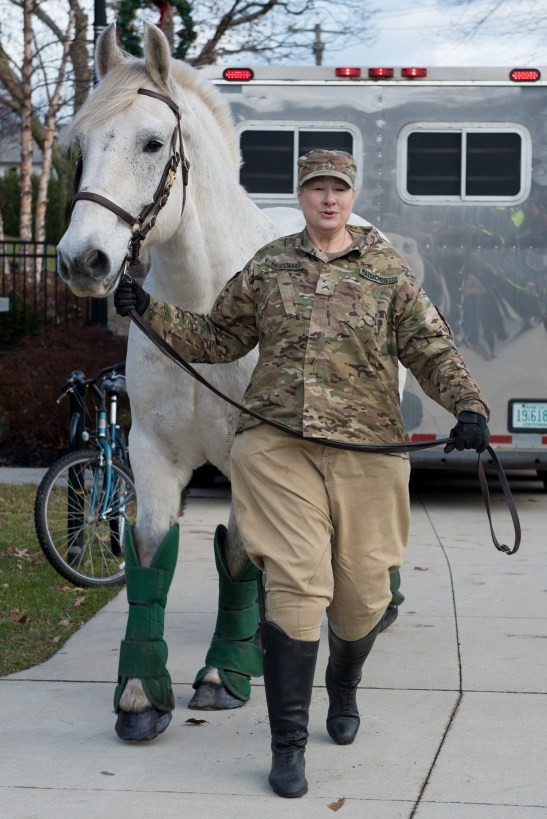 A 1,500 lb. horse was presented at Glendale Park in honor of the Everett Police Department.