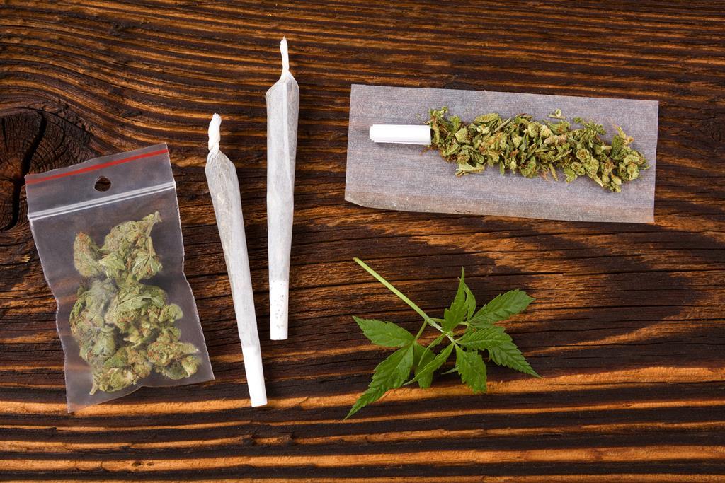 posiadanie narkotyków lub dopalaczy