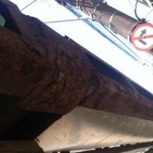 Paradas de ônibus e acessibilidade na RMR Falta de manutenção: ferrugem corrói parada na Avenida Conde da Boa Vista Crédito: Júlio Cirne/JC Trânsito