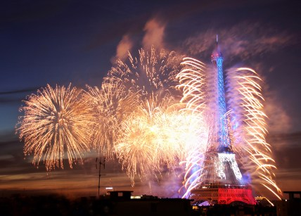 paris_fireworks_bastilleday09