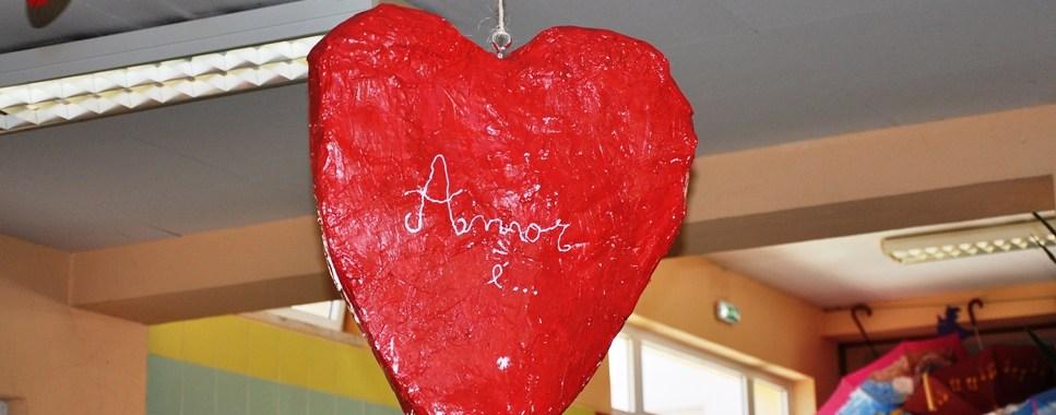 Coração em papel maché