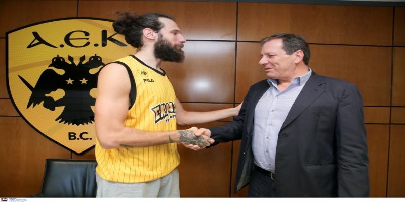 Υπέγραψε και επίσημα ο Γιαννόπουλος!