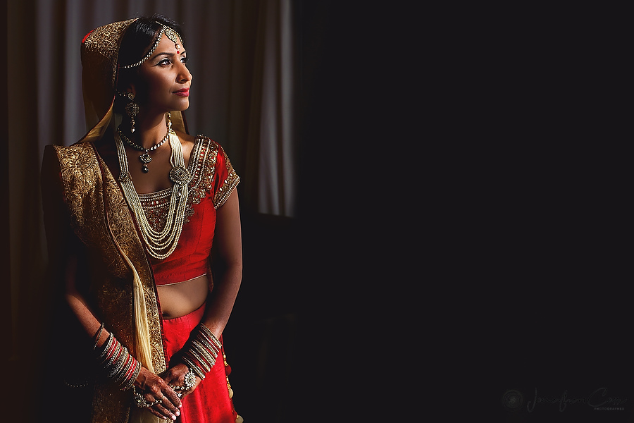 Indian bride at Moon Palace by Jonathan Cossu Photographer