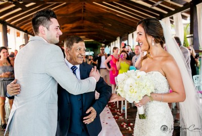 Emotional groom breaks in tears during wedding ceremony. Jonathan Cossu Photographer