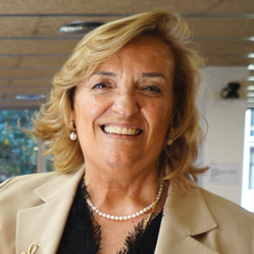María Teresa Lluch Canut, nueva catedrática.
