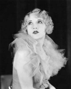 1920s-female-fashion-e1425379195900-816x1024
