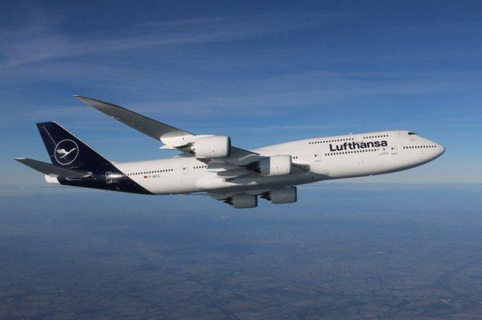 Lufthansa Boeing 747-8 Alemanha