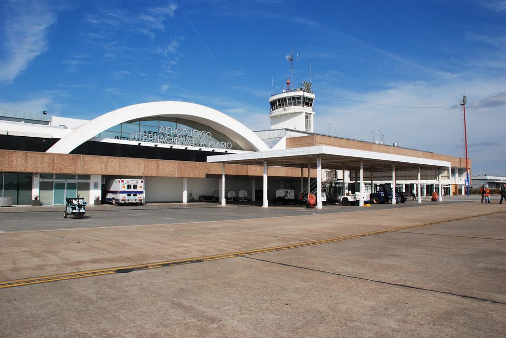 https://i2.wp.com/aerolatinnews.com/wp-content/uploads/2016/12/Aeropuerto-Internacional-Rosario-Islas-Malvinas.jpg