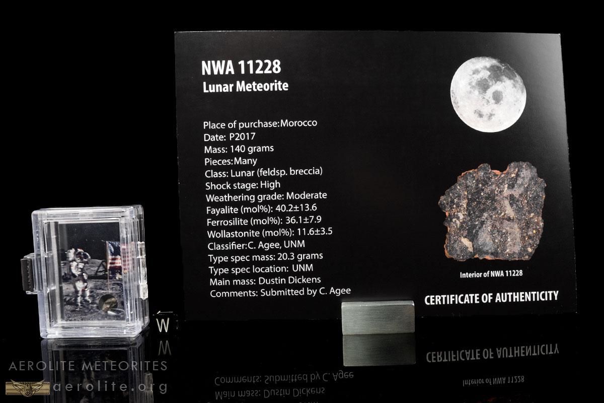 lunar-astronaut-fragment-box-i