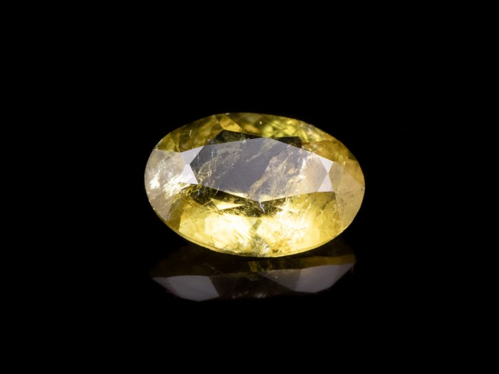 faceted palladot gemstone 44