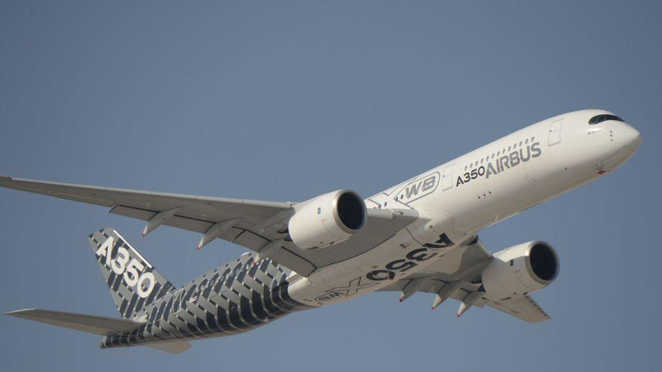 airbus-a350-xwb-airplane