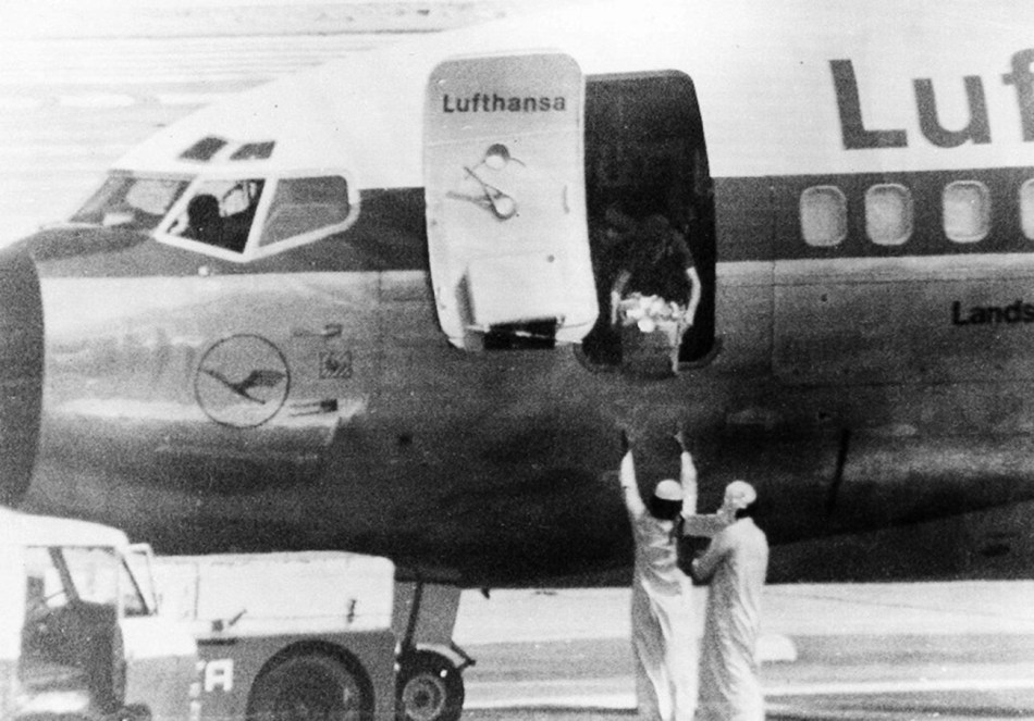 Lufthansa-737-200-Hijacked-2