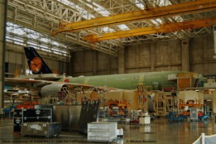 083-final-assembly-of-a380-841-nc2b0146-for-lufthansa-c2a9-michel-anciaux